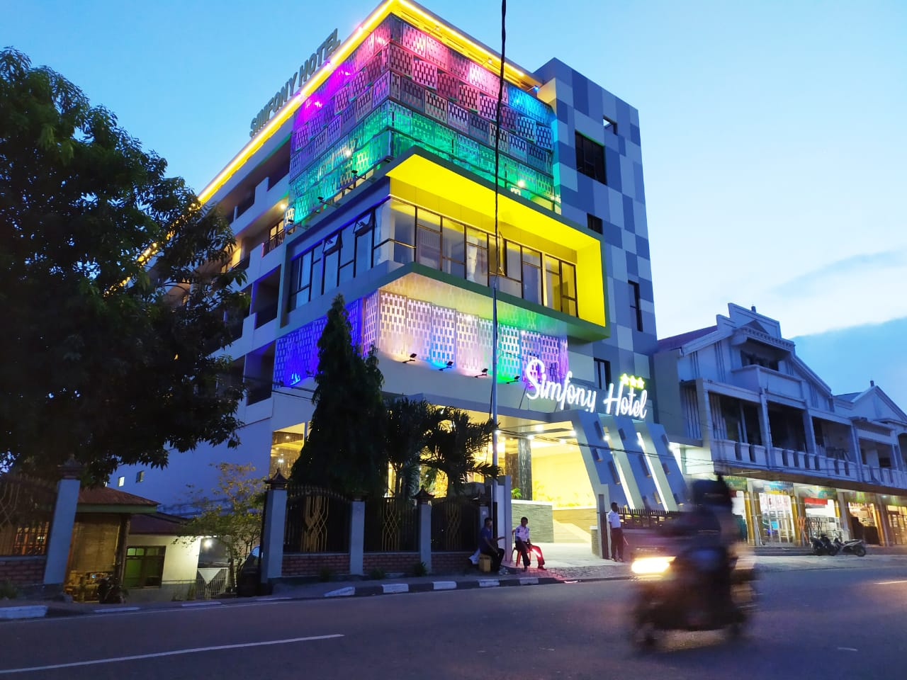 Simfony Hotel Alor