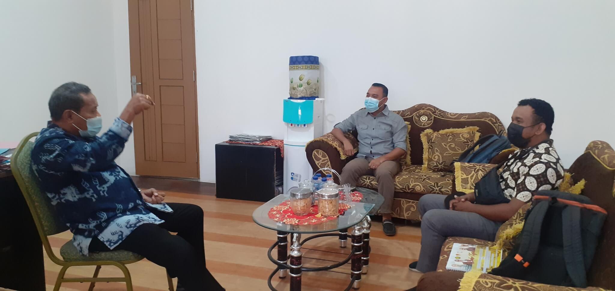 Diskusi dengan Pimpinan UPT Museum Daerah Provinsi Nusa Tenggara Timur